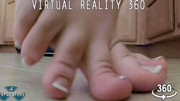 Teen Giantess Feet Shrink