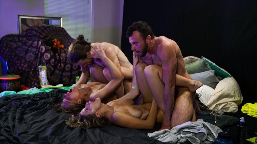 SexyHippies'd vid
