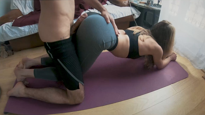 Girls Cumming Yoga Pants