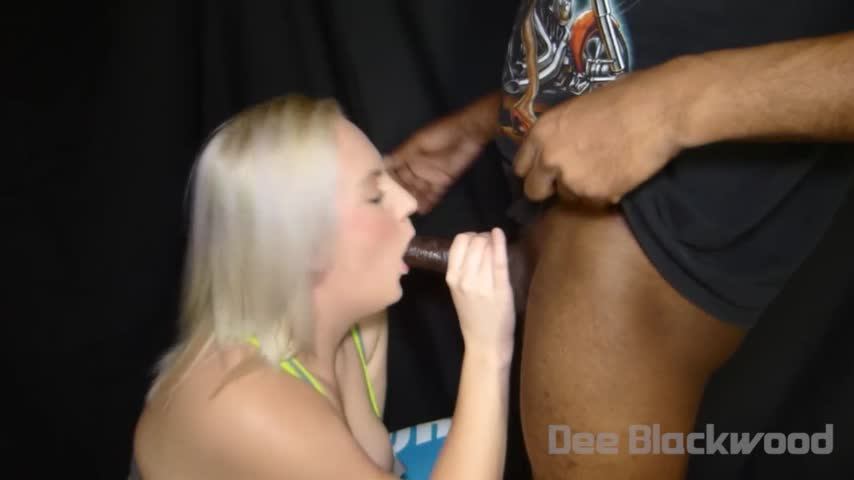 """""""Dee Blackwood""""  (BBC, Interracial, Blonde, Workout/Gym, Cumshots) Jayne works out on black cock ManyVids Production"""