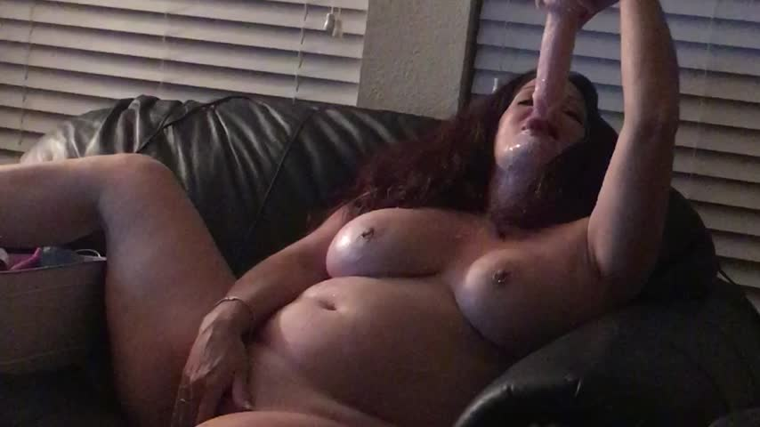 Dirty Talking Squirting Dildo