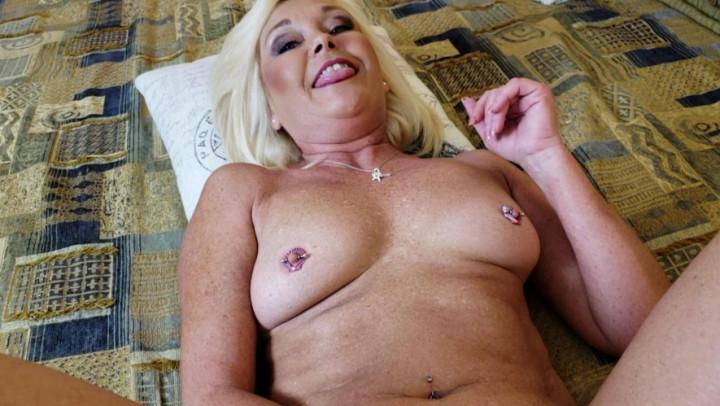 Older woman fun porn