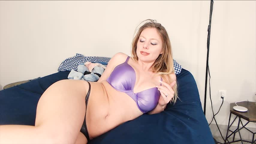 Nicolette Plays'd vid
