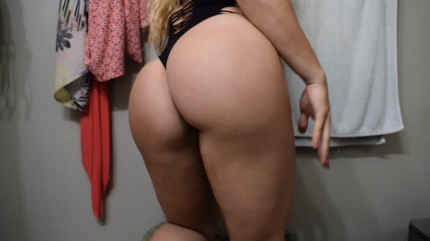 Sexyblondebarbie'd vid