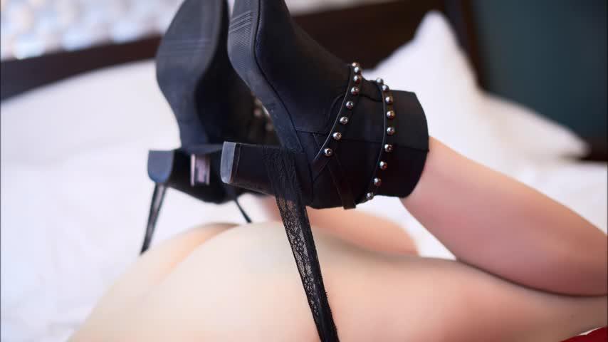 Mistress Alexxxia'd vid