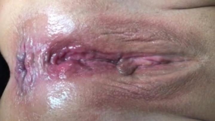 Huge Holes Holly'd vid