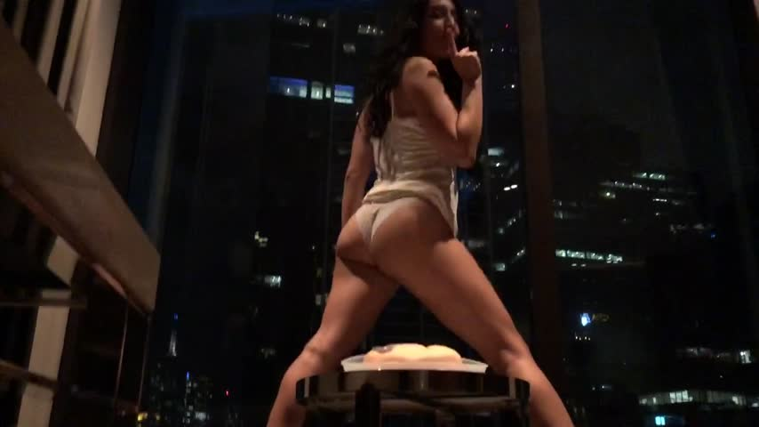 Violet Russo'd vid