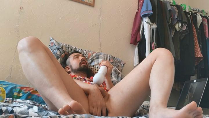 BeardyFemme'd vid