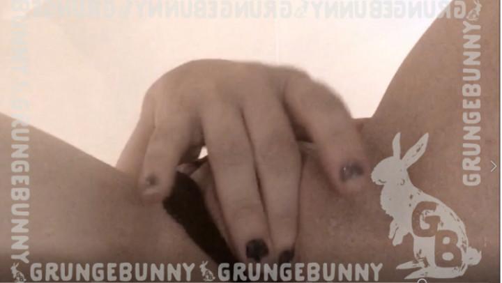 GrungeBunny'd vid