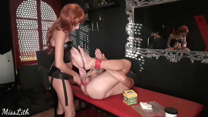 Miss Lith Domina'd vid