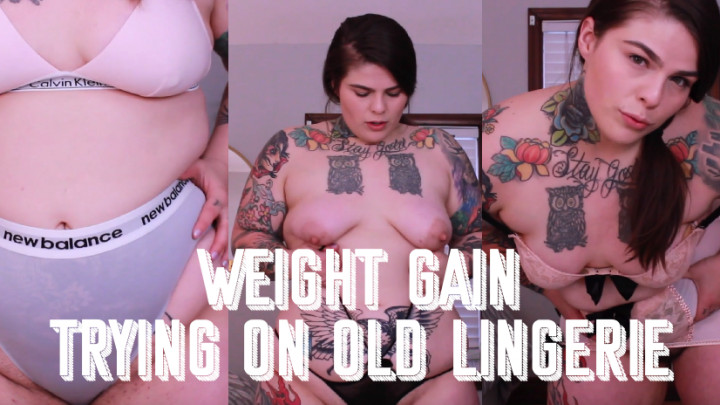 Big Ass Changing Clothes