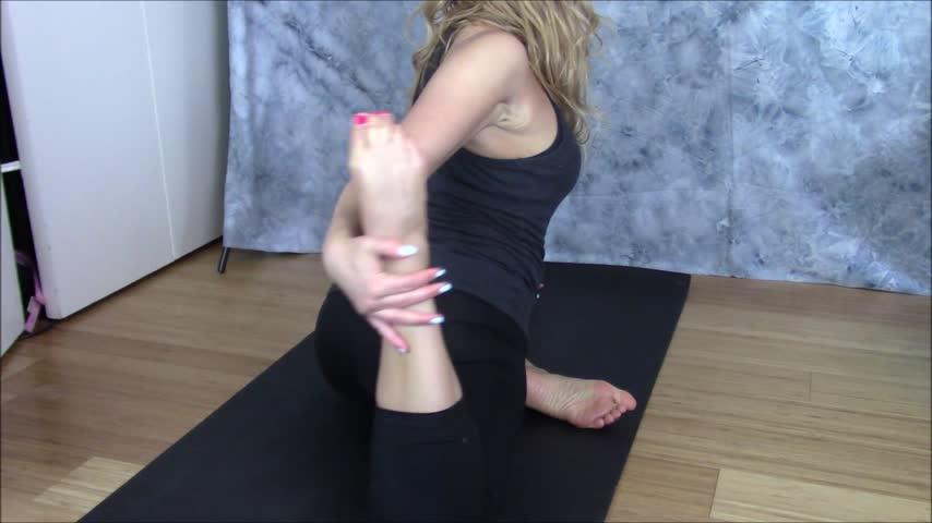 Nadia Layne Yoga'd vid