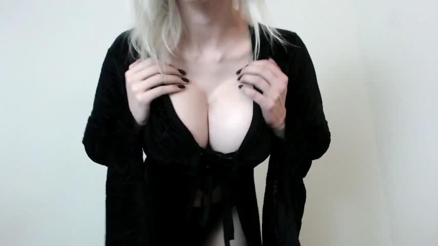 Big Tits Window Cleaning