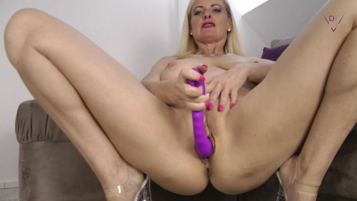 Ebony Female Solo Dildo