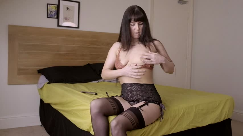 Super Sex Girl UK'd vid
