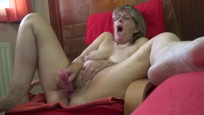 SpicyHoneyMilf'd vid